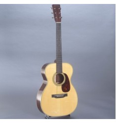 Martin Custom 00-28 with Case