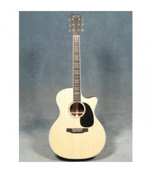 Martin GPC-Aura GT Grand Performance Cutaway Guitar with Case