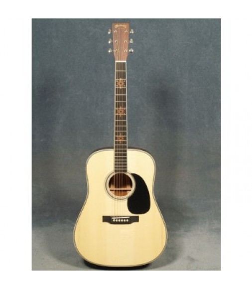 Martin D-35 Seth Avett Guitar with Case with Pickup