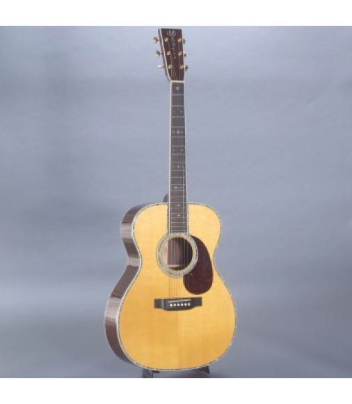 Martin 00042 Guitar with Case