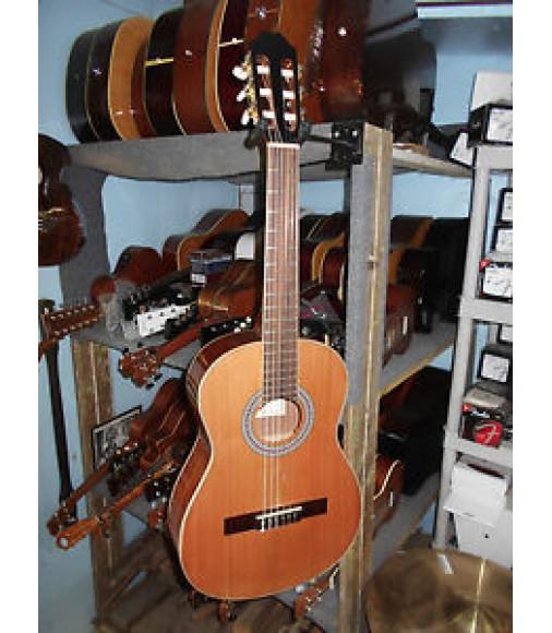 Best Classical Guitars - Classical Guitar Reviews ...